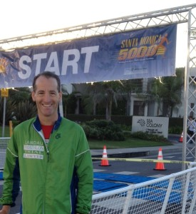 Lawyer Landau runs his best when he is early for a race and has time to warm up, scout the course and get his nutrition and liquid needs. For the Santa Monica 5,000 in Southern California, his daughter made sure he got to the start on time !