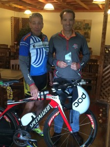 New Jersey multisport athlete & World Championships competitor Micky Syrop brought Doug Landau his Hammonton DUathlon prize when they met up in St. Paul before the US National Championships