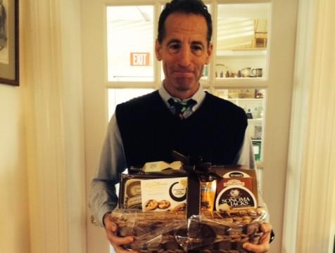 Gift Giving Season at Abrams Landau, Ltd.; Like a Good Neighbor, Local Insurance Company Sends Thanks