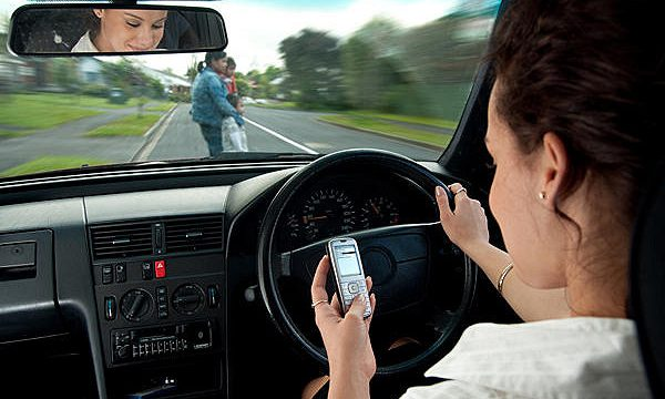 Distracted Driving: Proposed Textalyzer Bill Would Allow Police to Scan Your Phone After a Car Crash